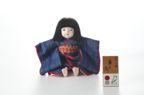 近江新之助上布 抱き市松人形